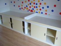 Postele bez matrací s úložným prostorem